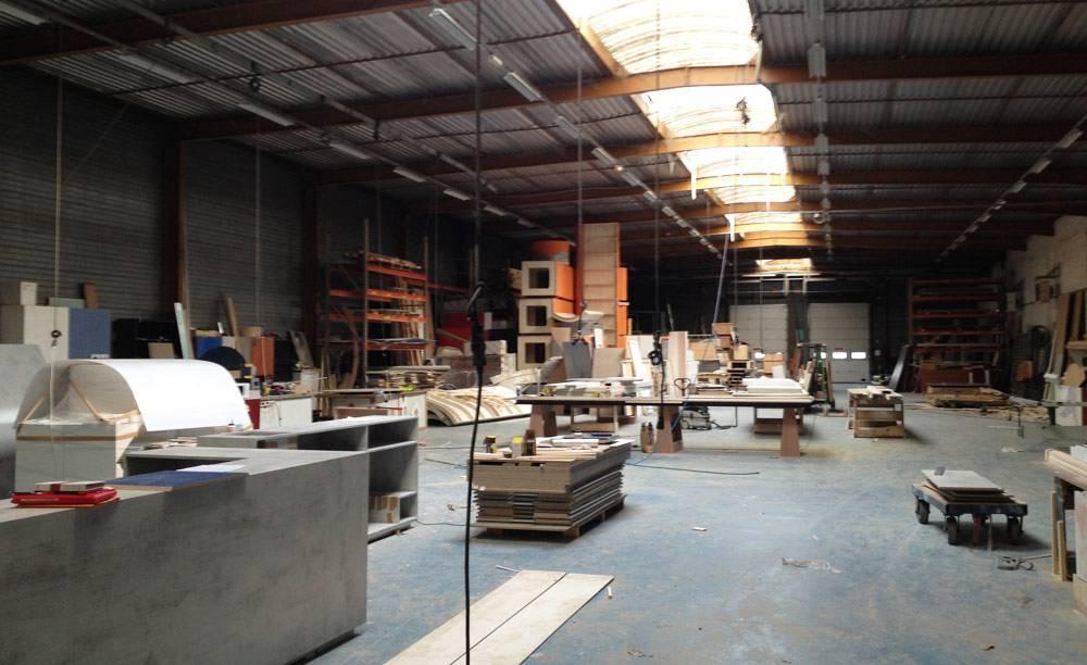 Atelier de fabrication de nos stands personnalisés